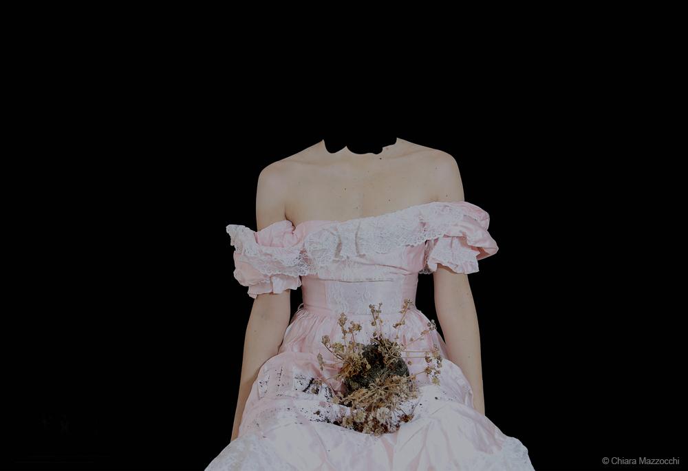 Headless_Selfportrait - Chiara Mazzocchi